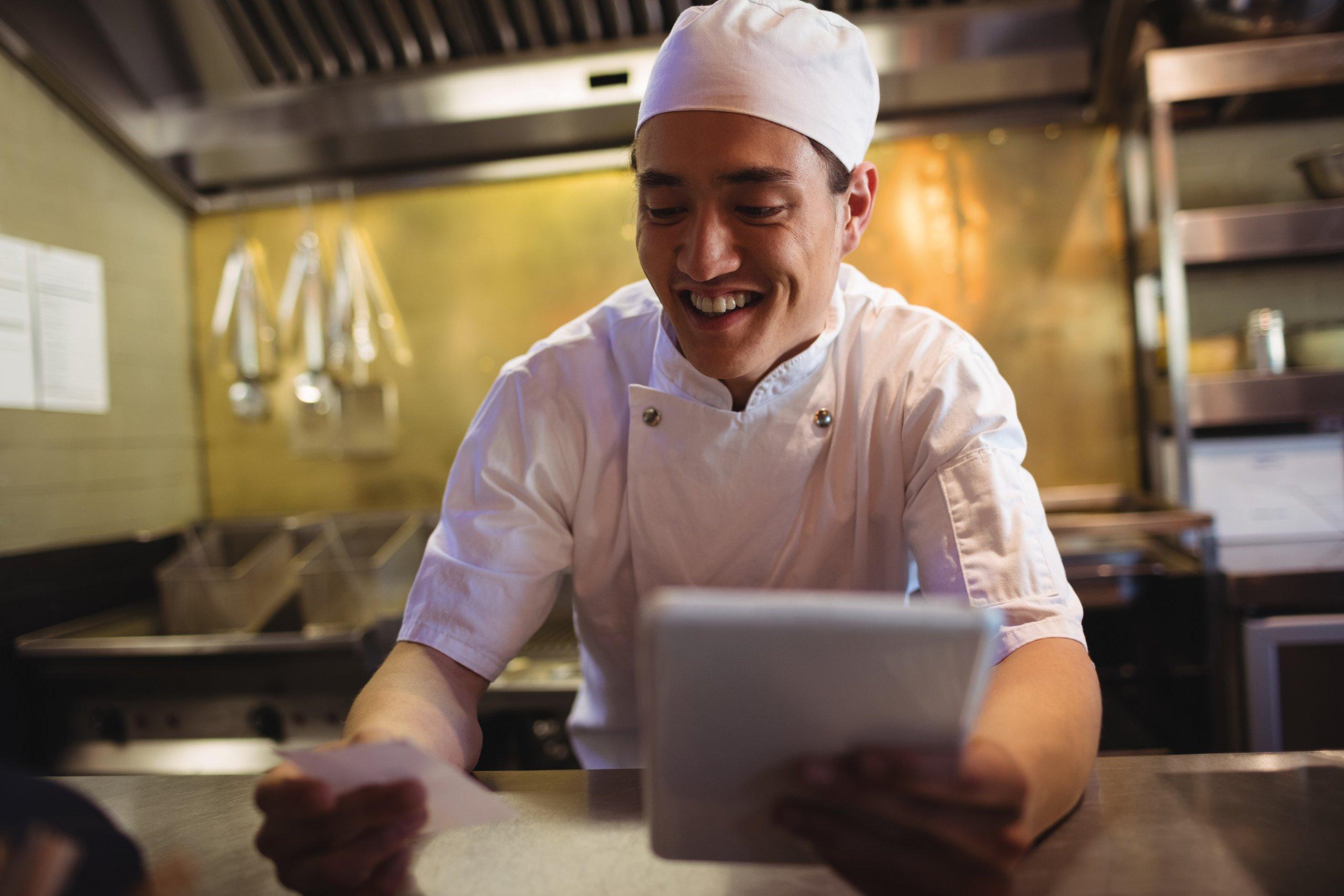 Cómo aumentar la eficiencia en los tiempos de cocina en hostelería.